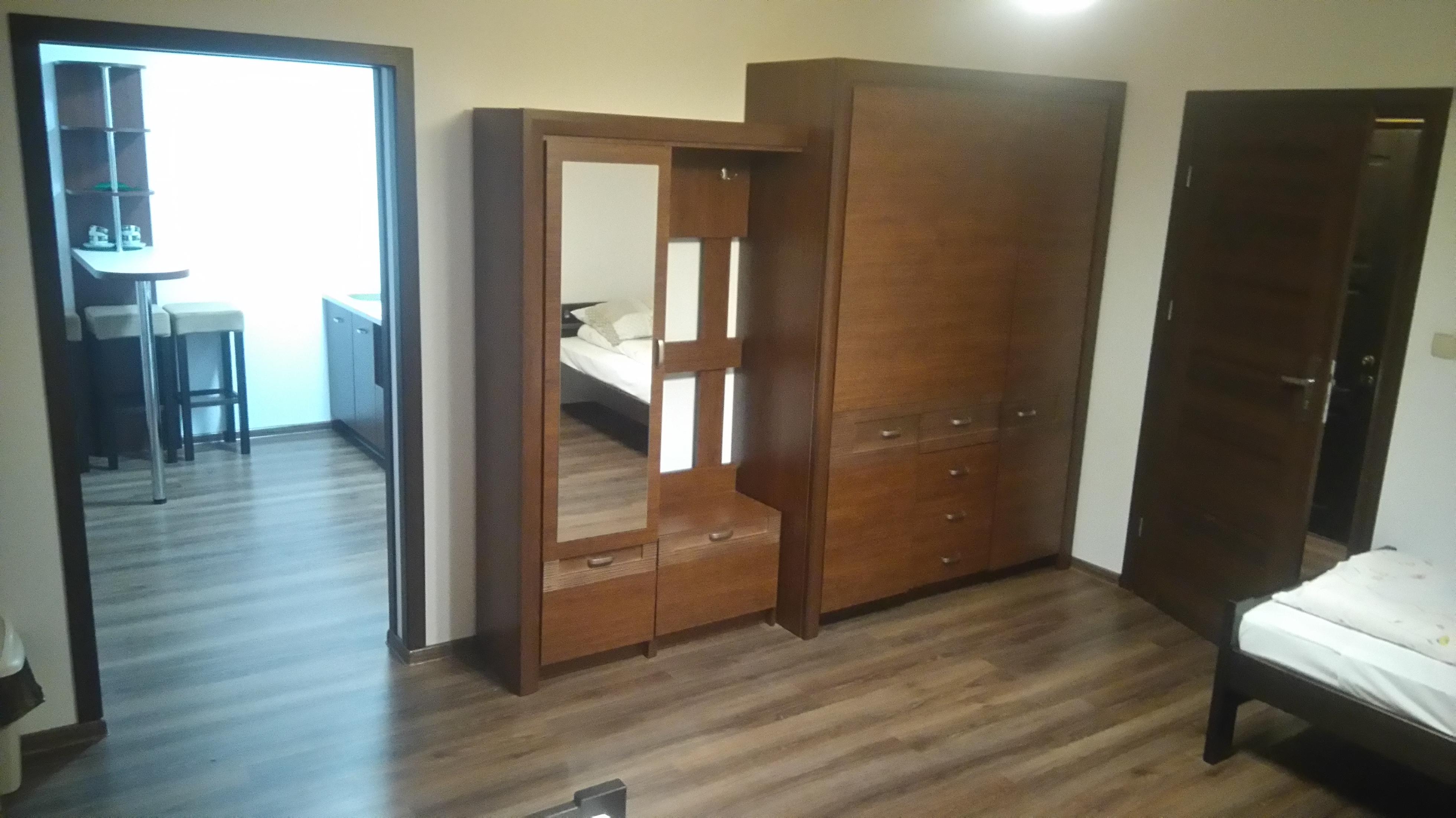 APARTAMENT Z JEDNĄ SYPIALNIĄ i pokojem dziennym (5 osób) – 63 M. KW (1 apartament)